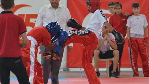 Kick boks Erciyes Dostluk Turnuvası Başladı