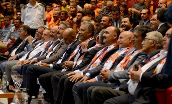 Kayserispor İçin Düzelenen Yardım Gecesinde 80 Bin 349 Forma Satıldı