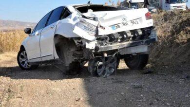 Photo of Tır İle Kaza Yapan Araçtaki Uzman Çavuş Hayatını Kaybetti